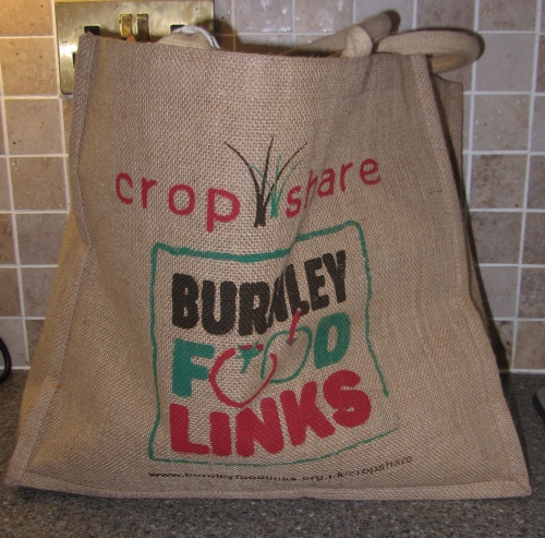 The veg was all neatly packed up in brown paper bags in this tough, easy to carry recycleable bag - no plastic bags here!