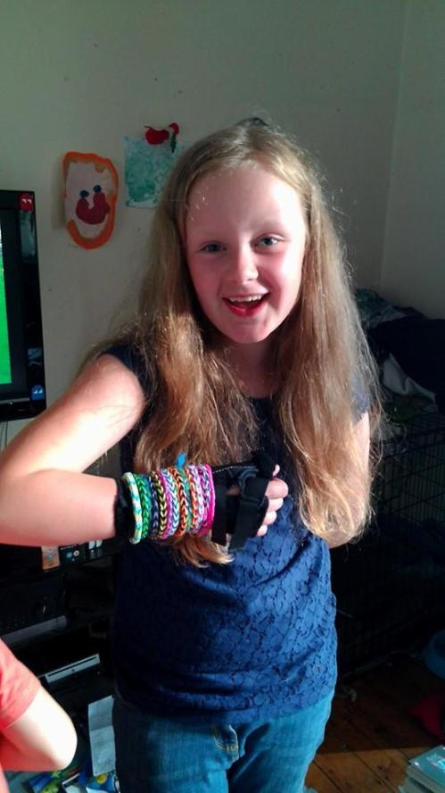 Darlek recently broke her wrist, here's how she jazzed up her splint.  She LOVES loom bands!